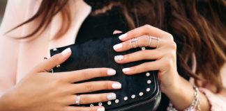 Piękne kobiece dłonie
