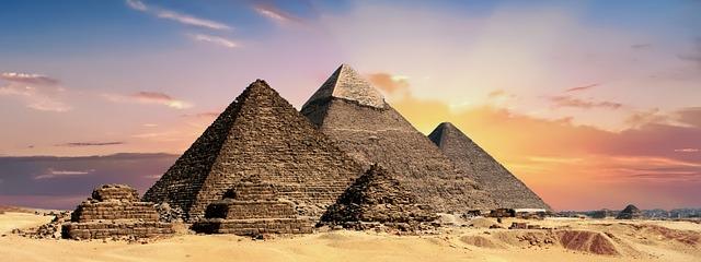 Egipt i piramidy