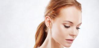Jednym z zabiegów, które pomagają przywrócić skórze twarzy blask i młodość, a także odświeżenie jest oczyszczanie wodorowe