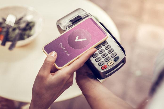 płacenie smartfonem