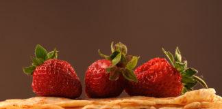 Naleśniki i truskawki