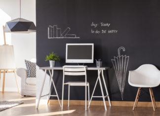 farba tablicowa w biurze domowym