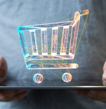 wizualizacja wózka sklepowego nad tabletem