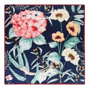 apaszka z motywem kwiatowym