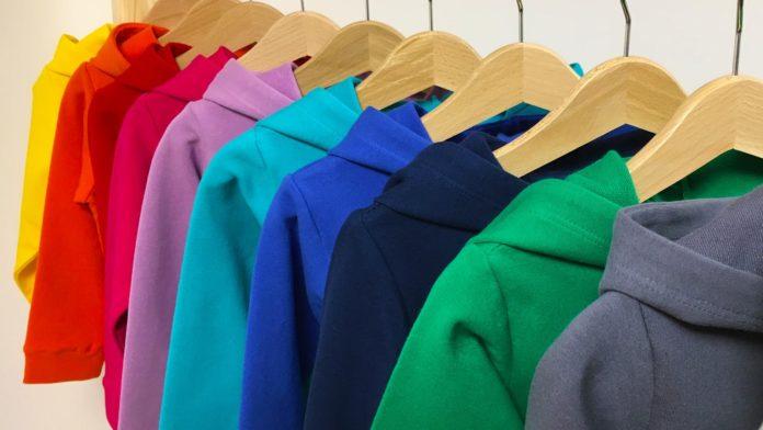 kolorowe ubranka dziecięce