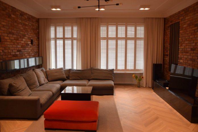 drewniane okiennice wewnętrzne