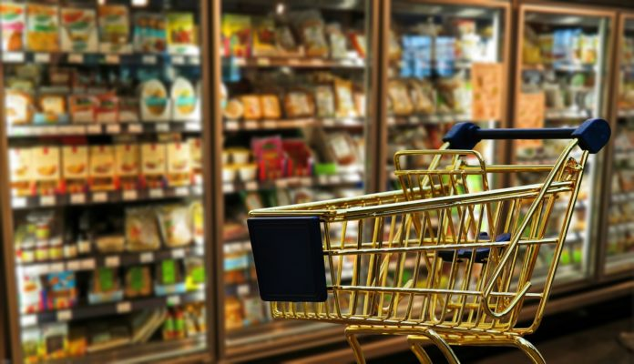 regały wnętrze sklepu spożywczego