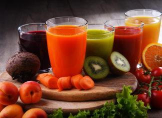 świeżo wyciskane soki z owoców i warzyw