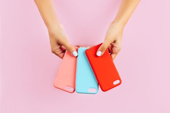 kolorowe etui na telefon
