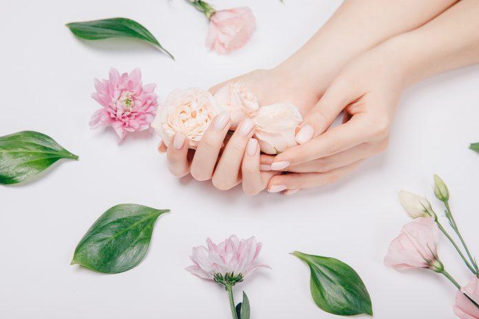 pastelowe paznokcie na wiosnę