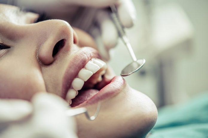 stomatolog wzmacnianie zębów