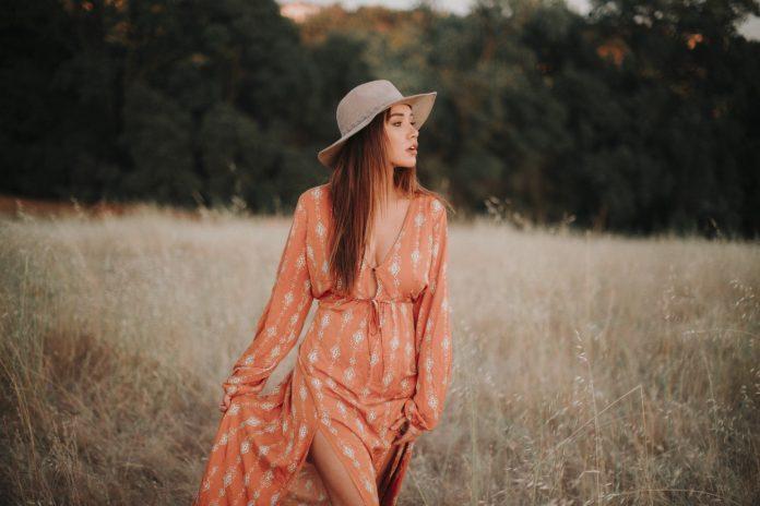sukienki maxi zwiewne kobiece