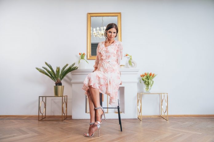 sukienka w stylu angielskim