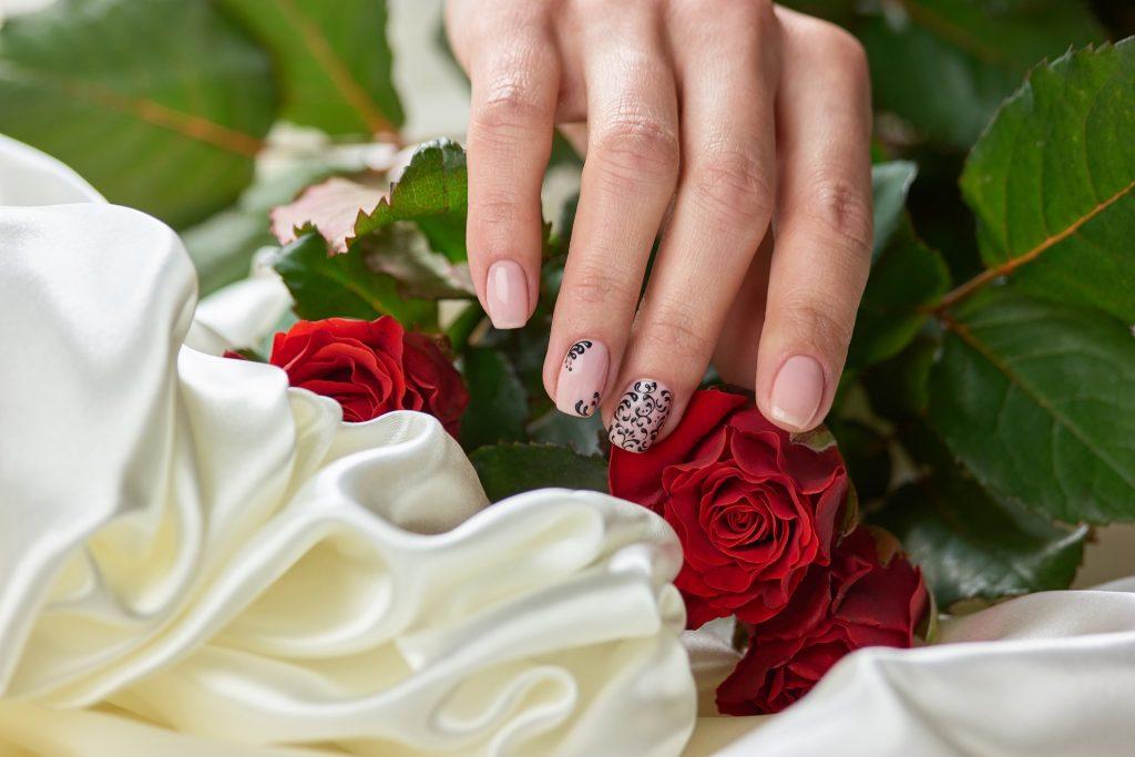 manicure weselny