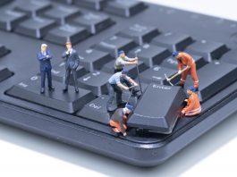 sprzątanie laptopa